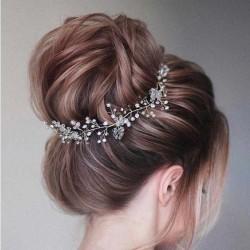 OPASKA ślubna do włosów dla Panny Młodej Clara. Piękne kryształowe listki i perełki w kolorze białym.