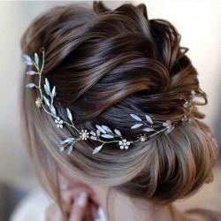 OPASKA ślubna do włosów dla Panny Młodej Stella. Elegancka opaska z perełkami i kryształkami.