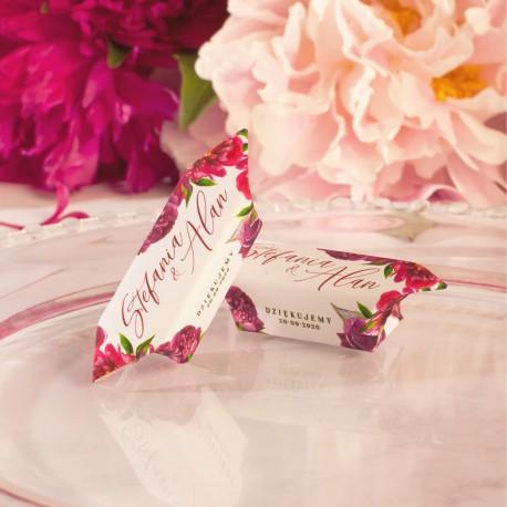 Krówka z imionami Pary Młodej, jako podziękowanie dla gości weselnych. Słodki upominek dla weselników.