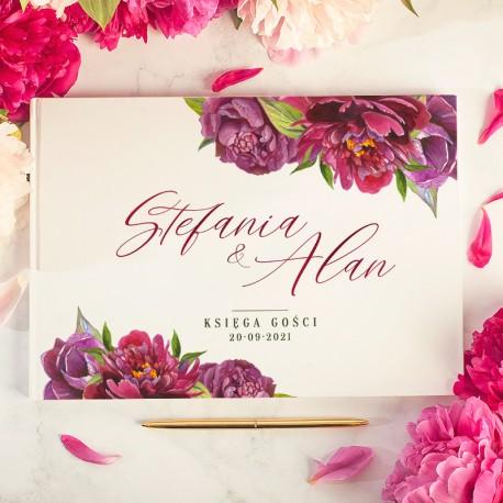 Księga gości weselnych z imionami Pary Młodej. Dekoracje na ślub z piwoniami.