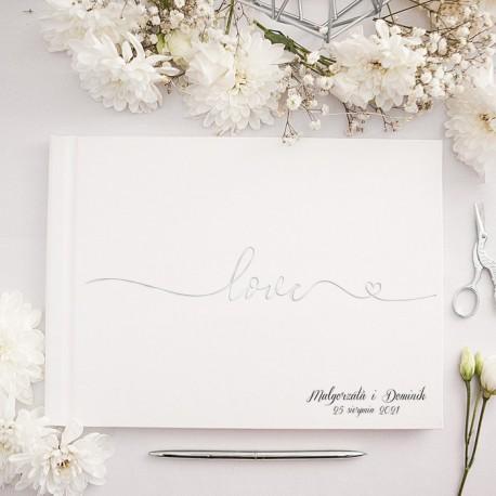 KSIĘGA GOŚCI weselnych ze srebrnym napisem Love Z IMIONAMI Pary Młodej na okładce.