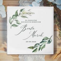 ALBUM prezent dla rodziców pary młodej. Album na pamiątkowe zdjęcia. Biały album z imionami pary młodej.
