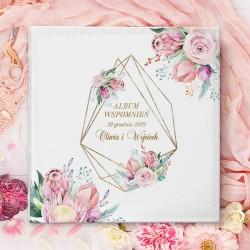 ALBUM ślubny w białej okładce - prezent ślubny dla Młodej pary. Okładka zdobiona ich imionami i datą ślubu.