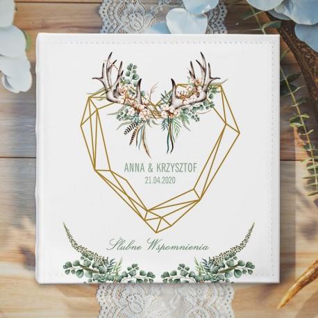 ALBUM ślubny na zdjęcia - piękny prezent dla Nowożeńców. Biała okładka zdobiona motywem boho oraz imionami Pary Młodej.