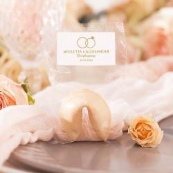Upominek dla gości weselnych. Ciasteczko z wróżbą z kolekcji Obrączki.
