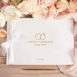 Księga gości weselnych personalizowana. Udekorowana grafiką z kolekcji Obrączki.