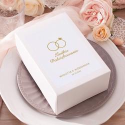 Pudełka na ciasto z imionami Pary Młodej. Idealny upominek i podziękowanie dla gości weselnych. Uzupełnienie kolekcji ślubnej Ob
