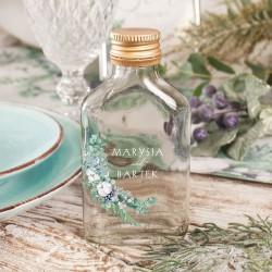 Buteleczka szklana na alkohol. Pomysłowy prezent dla gości weselnych.