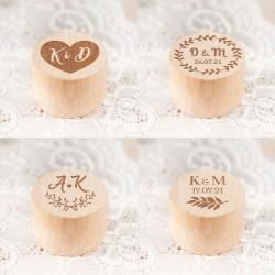 PUDEŁKO na obrączki drewniane okrągłe Z INICJAŁAMI