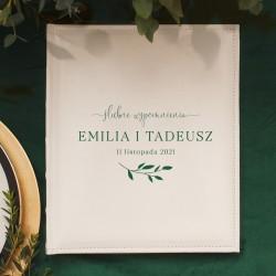 Album na zdjęcia w białym kolorze, posiada nowoczesną grafikę z delikatną gałązką. Idealny prezent ślubny dla Młodej Pary.