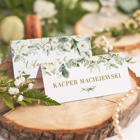 Personalizowana wizytówka w białym kolorze, z piękną kwiatową grafiką. Idealny dodatek na wesele!