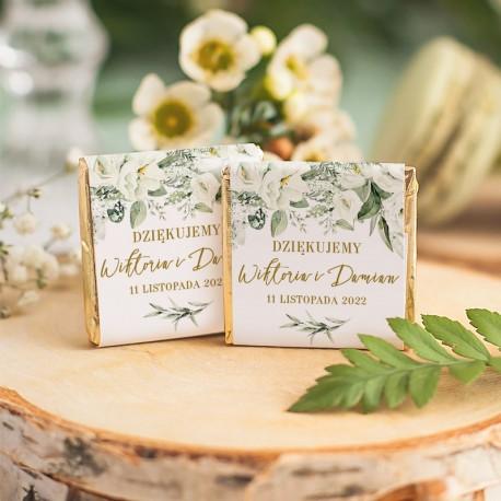 Czekoladka na ślub z personalizacją. Etykieta udekorowana w kwiatową grafiką. Idealny upominek ślubny dla gości.