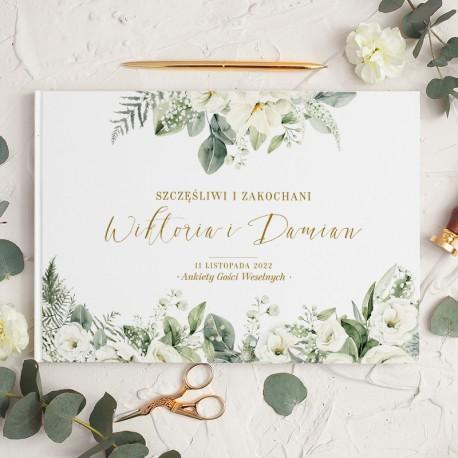 Księga gości z umieszczonymi wewnątrz ankietami. Posiada personalizowaną okładkę z piękną kwiatową grafiką.
