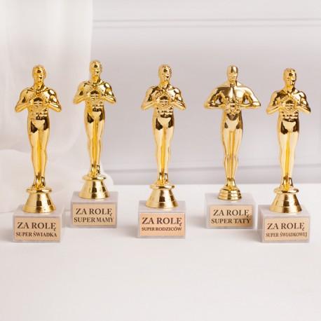Statuetki Oskary dla rodziców i świadków, z tabliczkami na marmurkowych podstawkach