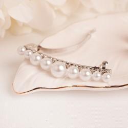 Automatyczna spinka z perełkami. Idealny dodatek do ślubnej fryzury.