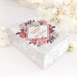 PUDEŁKO z kwiatowym motywem i dedykacją, opakowanie na prezent.
