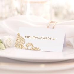 Personalizowana wizytówka na ślub wykonana z wysokiej jakości papieru i wzbogacona o piękną grafikę.