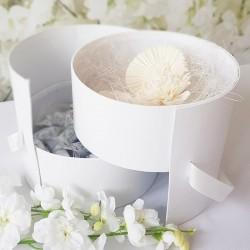 PUDEŁKO dekoracyjne białe z tasiemką 19,5cm