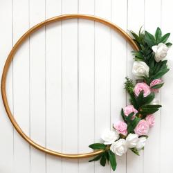 Złota OBRĘCZ dekoracyjna Róże Białe i Różowe 60cm