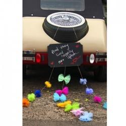 TABLICA kredowa na samochód z kolorowymi kokardkami