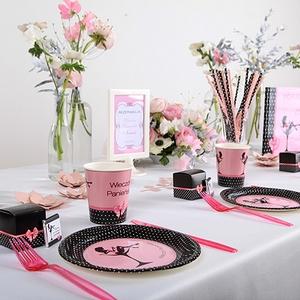 czarno-różowe dodatki na panieński