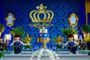 Ślub w najmodniejszym kolorze roku - granatowe dekoracje ślubne