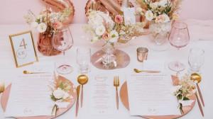 różowe złoto na nowoczesnym ślubie