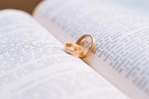 Co wpisać do księgi gości weselnych?